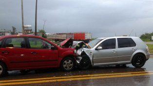 Choque frontal deja un herido de gravedad en Paraná