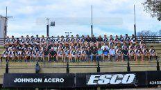 Todos juntos los chicos de las categorías formativas del rugby del CAE.