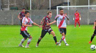 empate polémico. El partido de Reserva entre Patronato-River terminó 1 a 1. El local culminó con ocho jugadores y hubo 7 de adicional.