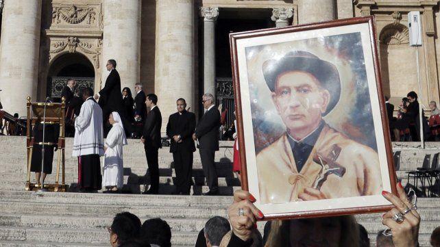 El papa Francisco proclamó santo al Cura Brochero