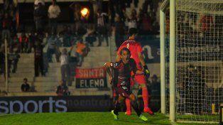 El chileno Vargas estaba para el cambio pero estableció el empate y se sostuvo en cancha.