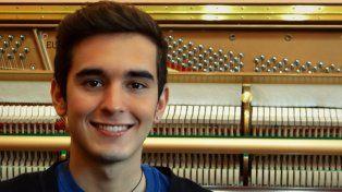 Promesa. Laureano Bruno tiene 22 años y ha sido merecedor de varios reconocimientos y becas.