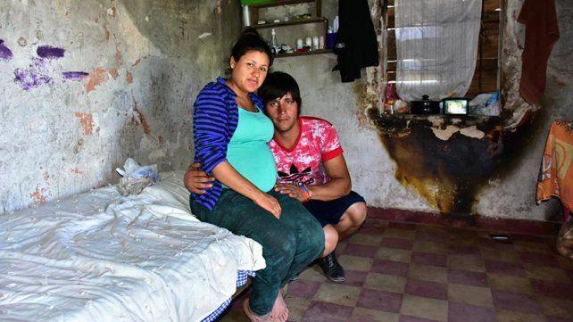 Ocuparon parte del ex matadero porque no tienen lugar donde vivir.
