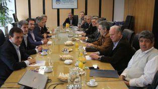 La mesa de diálogo tripartito se reúne por el bono de fin de año