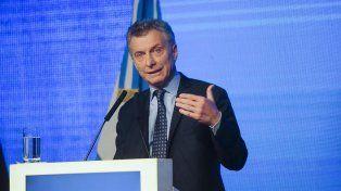 Macri pidió a los empresarios romperse el traste