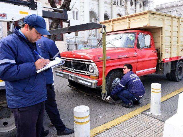 Retuvieron el vehículo de un conductor alcoholizado a metros de la Municipalidad