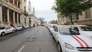 Varisco se comprometió a modificar el marco regulatorio del servicio de coches de alquiler