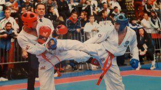 En plena lucha. El paranaense Gustavo Ferreira se midió con los mejores en Hungría y estuvo a la altura de la competencia.
