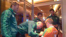jugadores de banfield firmaron autografos a los chicos de la escuela de futbol el taladro de parana