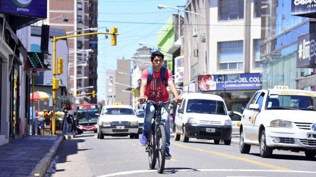 ¿Por dónde tienen que ir las bicicletas?