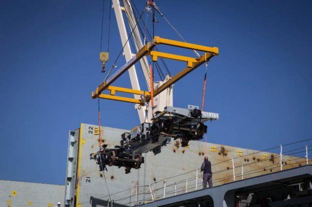 Llegaron desde China 300 nuevos vagones para el tren de cargas