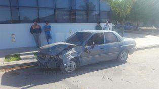 Tres vehículos involucrados en un choque en avenida Almafuerte
