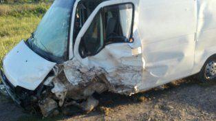 Ruta 18: Colisionaron una camioneta y un utilitario