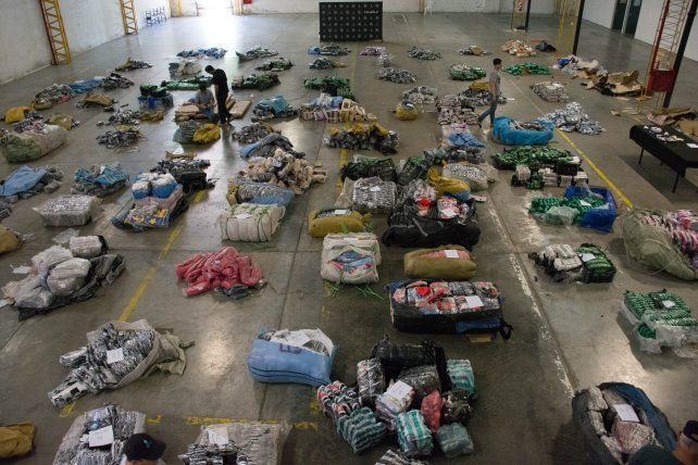 Desbaratan contrabando de mercadería para talleres clandestinos y drogas