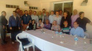 Gesto. De Ángeli visitó a los peronistas de Cambiemos.
