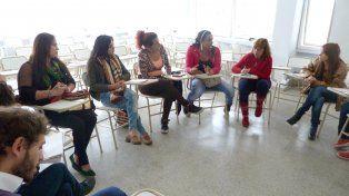 El encuentro se desarrolló en las instalaciones de la Facultad de Trabajo Social de la UNER. Foto prensa Salud.