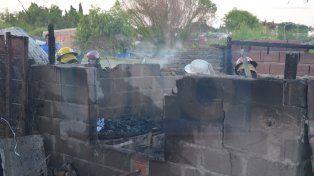 Se puso a disposición de la Justicia la mujer que incendió la casa de su pareja