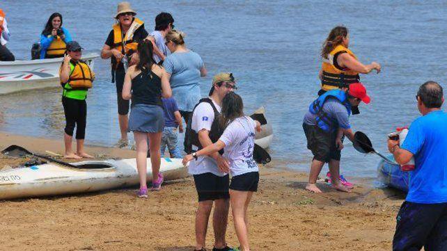 Niños de escuela primaria unieron Villa Urquiza con Paraná en una travesía náutica
