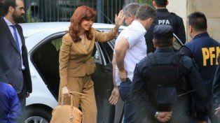 Cristina pidió una auditoría general de obra pública y no respondió preguntas en Comodoro Py
