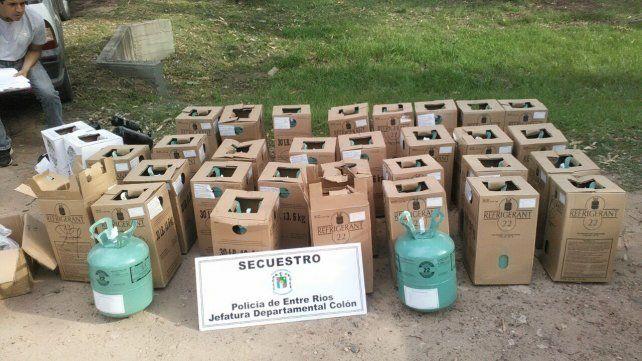 Detuvieron a tres personas por contrabando de garrafas