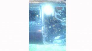 Le quemaron el auto