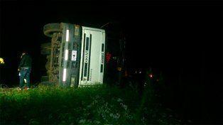 Volcó un camión cargado con arroz en la ruta nacional 18
