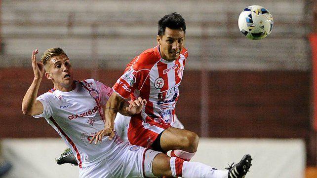 Atlético Paraná volvió a perder y se hunde en el promedio