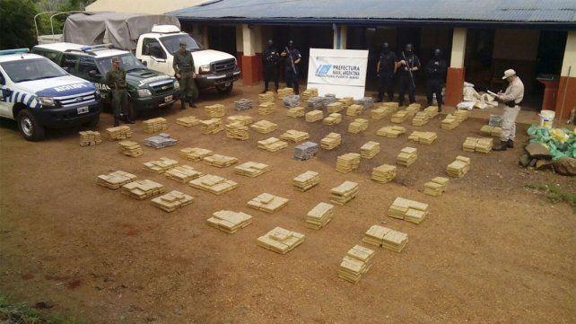 Secuestran más de tres toneladas de marihuana en la ruta nacional 12 y el río Paraná