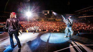 Imponente. Duff y Axel en pleno show en el Gigante de Arroyito en su regreso a la Argentina.