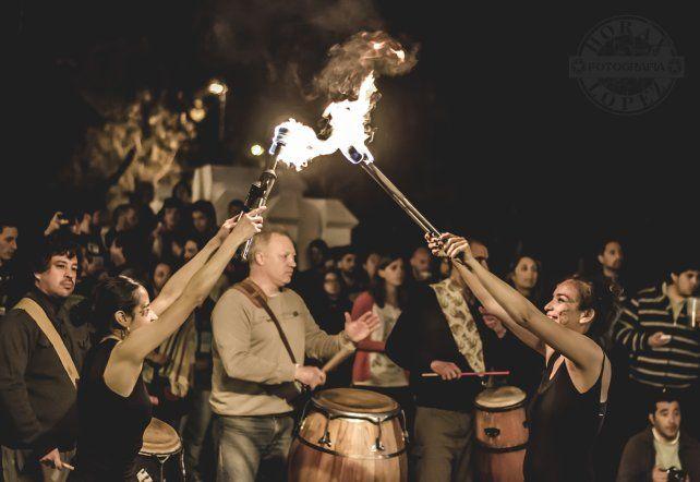 El fuego de Prometeo y los tambores de La Yaguarona. Foto gentileza E4T.