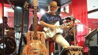 Trayectoria. Vilanova es un viejo lobo del blues que compartió escenario con los mejores.