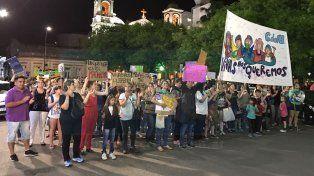 Conmocionados. La convocatoria fue en la Plaza Ramírez.