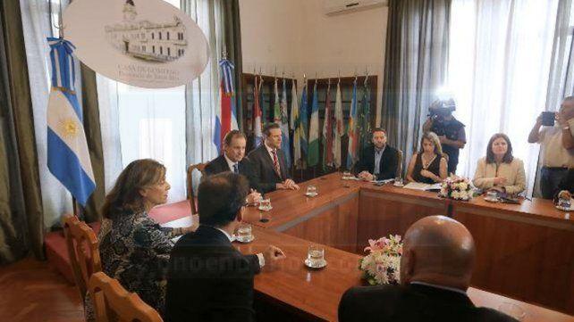 #FemicidiosEnEntreRíos Bordet está reunido con representantes de los tres poderes del Estado