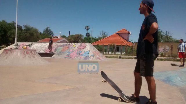 Nahuel el sábado a la mañana en el skatepark.