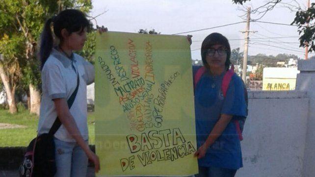 Jornada. Alumnos expusieron sobre no violencia.