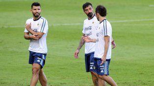Messi entrenó con Argentina y espera por Brasil