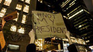 Miles de personas se manifestaron en Nueva York contra Donald Trump