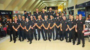 Los jugadores anoche en el aeropuerto de Paraná pasaron juntos.