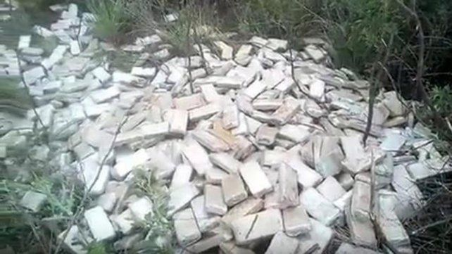 Encontraron dos toneladas de marihuana abandonada en pastizales
