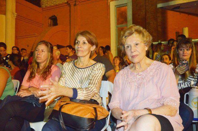 Rita Risa y Magda Varisco en la muestra del miércoles por la noche.Secretaría de Cultura de Paraná