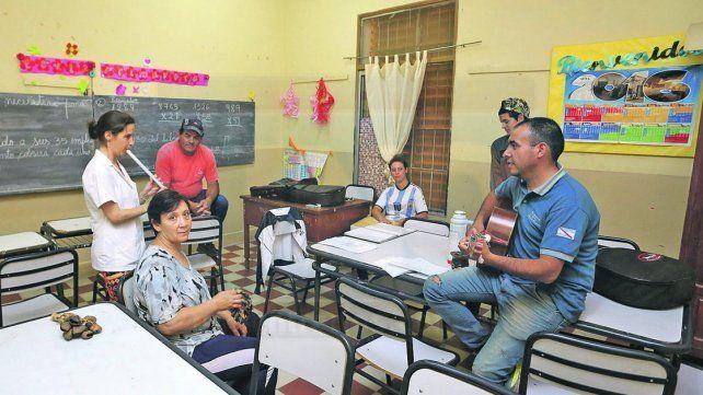 Volver a las aulas. La educación de jóvenes y adultos ha sido poco valorada y reconocida por su aporte a la sociedad.