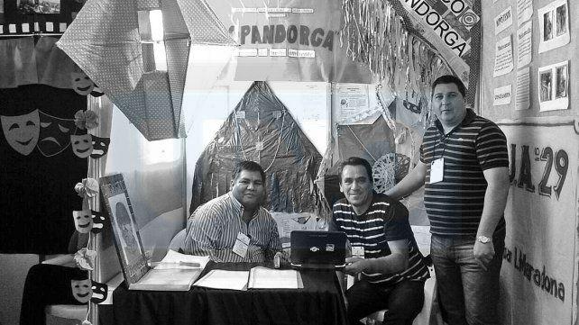 En la Feria. El profesor Claudio Molina