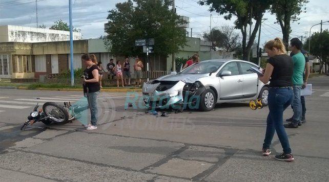 El juez Ricardo Lorenzetti chocó a dos motociclistas
