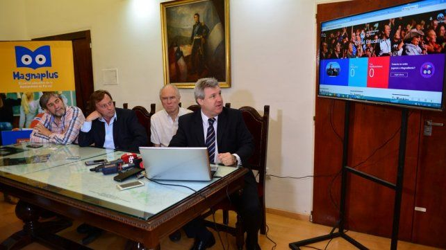La Municipalidad de Paraná presentó un portal educativo