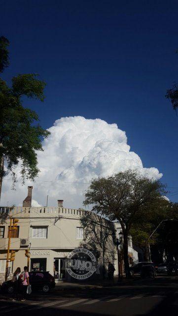 Las nubes en el cielo de Paraná