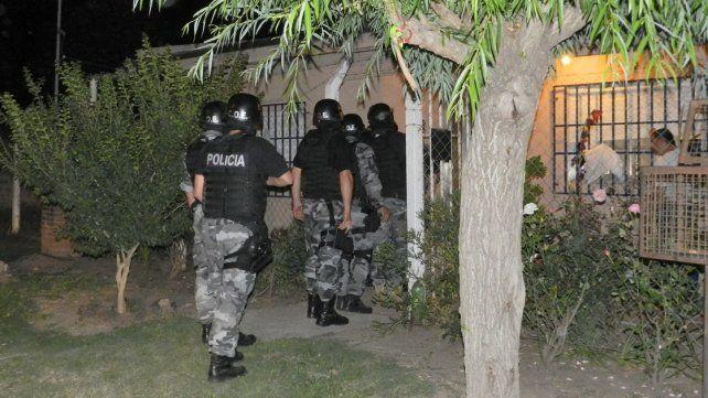 Un hombre hirió a su ex suegra y golpeó a su ex mujer en Viale
