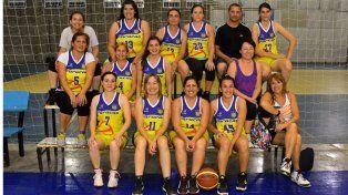 Las chicas se juntaron para una foto grupal en el nuevo gimnasio del sur de la ciudad de Paraná.