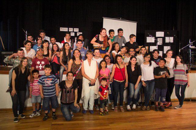 Internos del penal de Paraná grabaron el CD Soñando Juntos