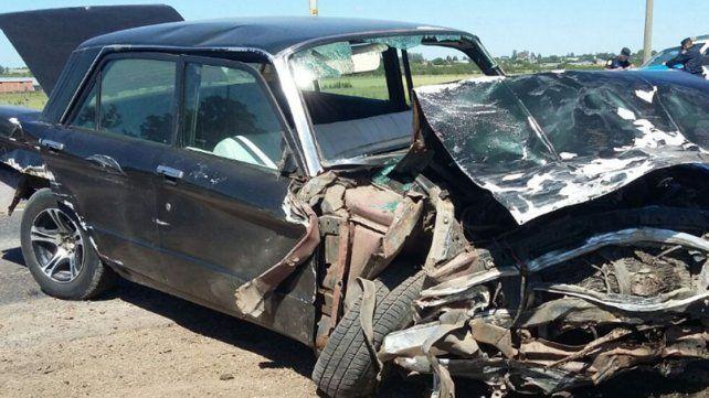 Dos personas fueron hospitalizadas tras un violento choque en la ruta provincial 20
