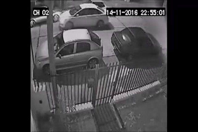 Publicó un video para identificar a quien le chocó el auto y huyó